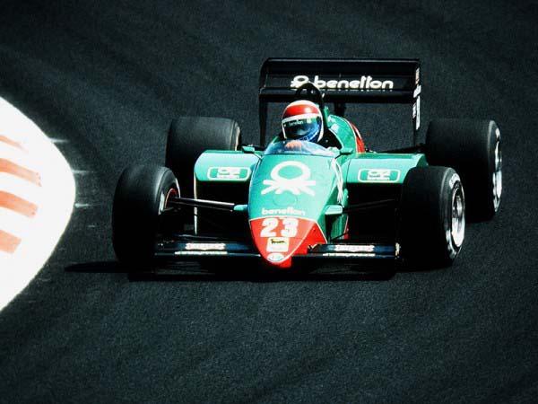Ο Eddie Cheever με την Benetton Alfa Romeo 185T