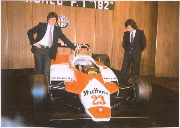 o Andrea De Cesaris δίπλα στην Alfa Romeo 182 (1982)