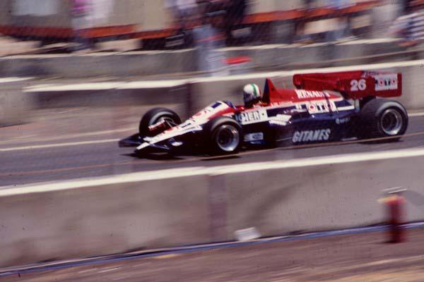 o De Cesaris στο GP του Dallas με Ligier (1984)