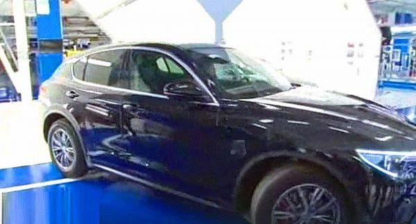 Η 'γήινη' εκδοχή της Alfa Romeo Stelvio θα κοστολογηθεί περίπου 40.000€