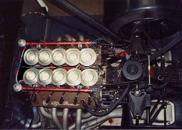 Ο V1035 στο πίσω μέρος της 164 ProCar