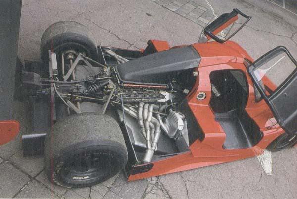 Η SE048 με τον V12 της Ferrari