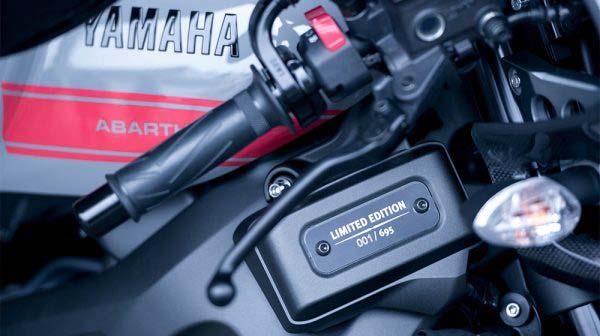 Λεπτομέρειες της Yamaha 900 XSR Tributo Abarth